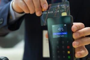 credit-card-1730085_640